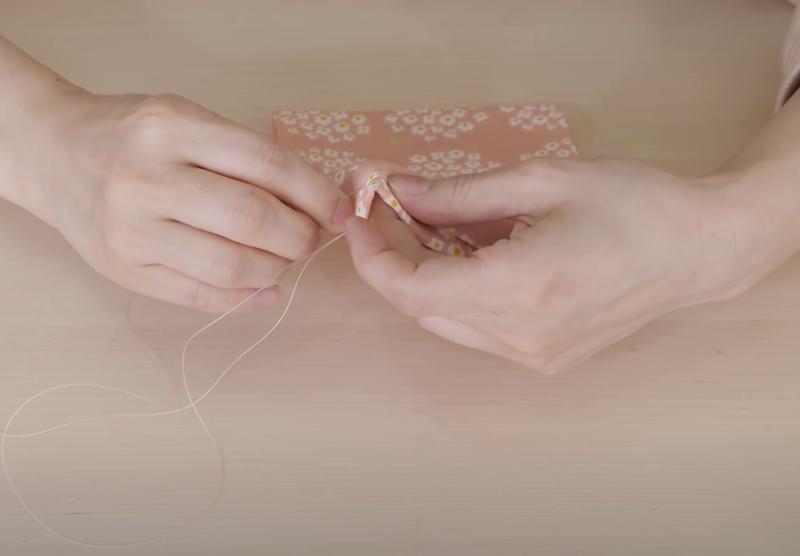手作り布マスク かわいい 画像 型紙 作り方 柄 生地